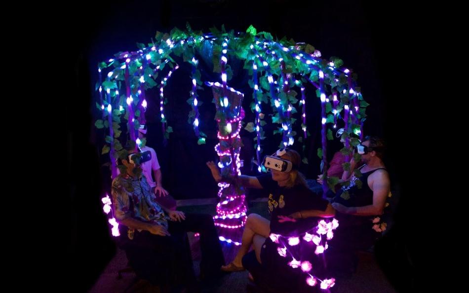 tree-of-dreams_night_group